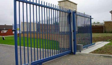 1 Рельсовые откатные ворота